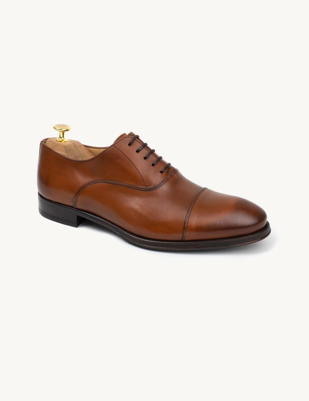 Sapatos de noivo - uma escolha ilimitada