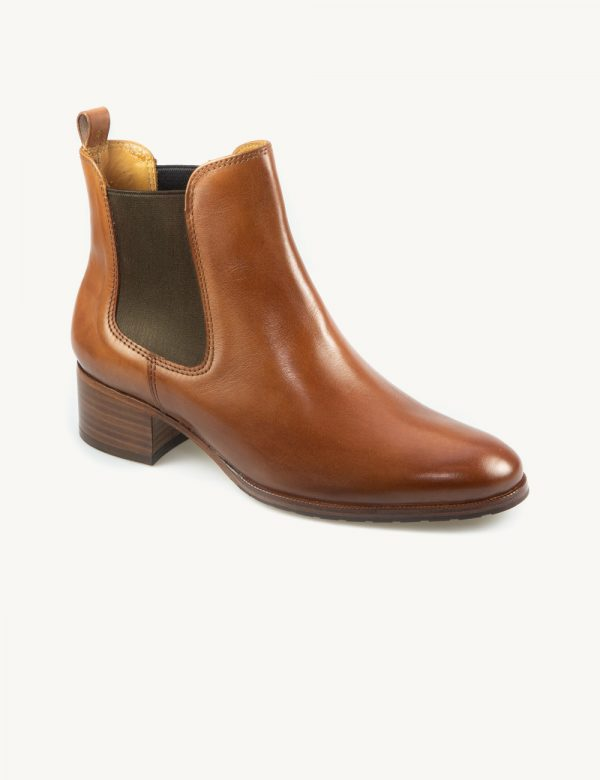 Chelsea feminina a escolha perfeita para quem gosta de botas simples e elegantes