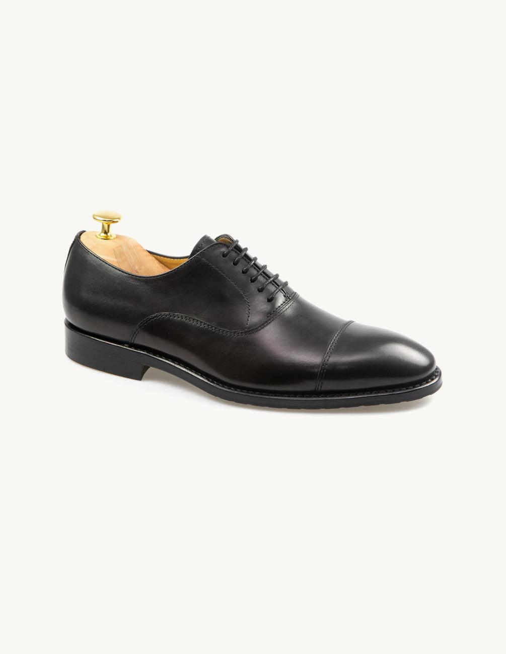 Sapatos pretos homem feitos à mão em Portugal